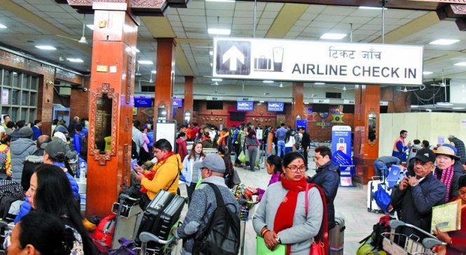 प्रतिबन्धपछि नेपालको विमानस्थलबाट विदेश जाँदै भारतीय
