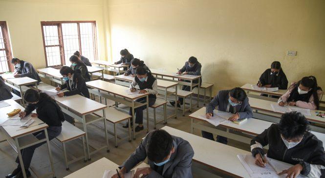 कोरोना त्राससँगै जुम्लामा कक्षा ११ को परीक्षा सुरु